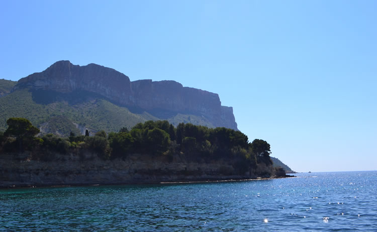 Cassis, the cliffs & sea