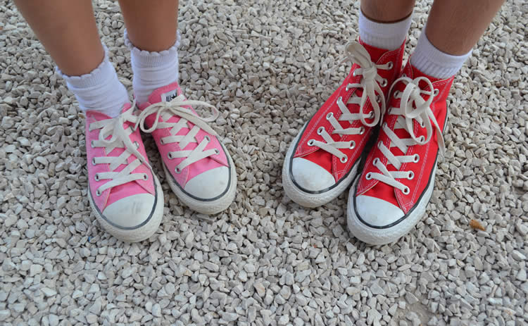 feet-converse-shoes