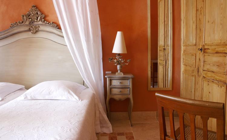 Mas_des_Gres_deluxe_room