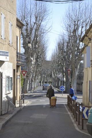 Provence-village-life_0756