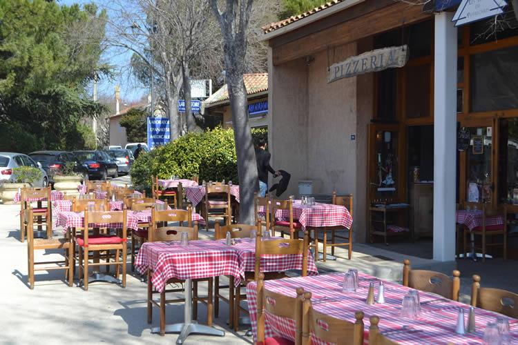 Provence-village-life_0789